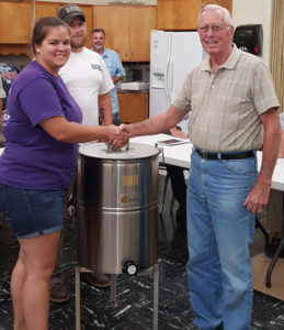 Blue Ridge Bee Supply donates 4 frame extractor to SCBA